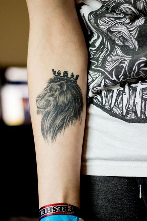 Tatouage lion femme : 30+ idées de tatouages et sa signification 3