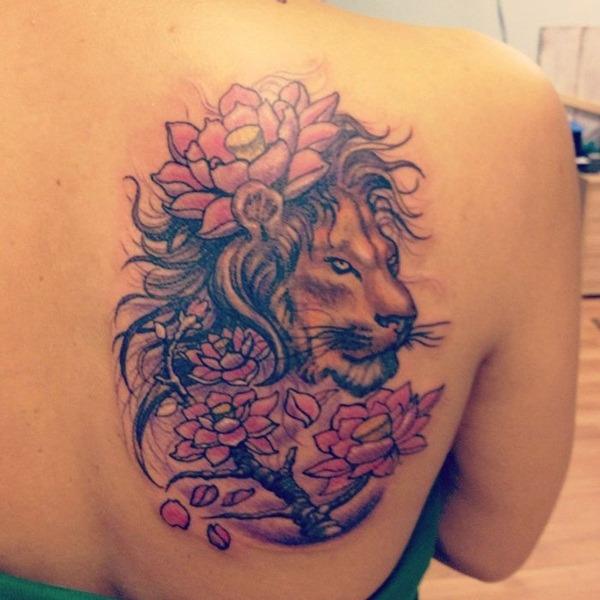 Tatouage lion femme : 30+ idées de tatouages et sa signification 17
