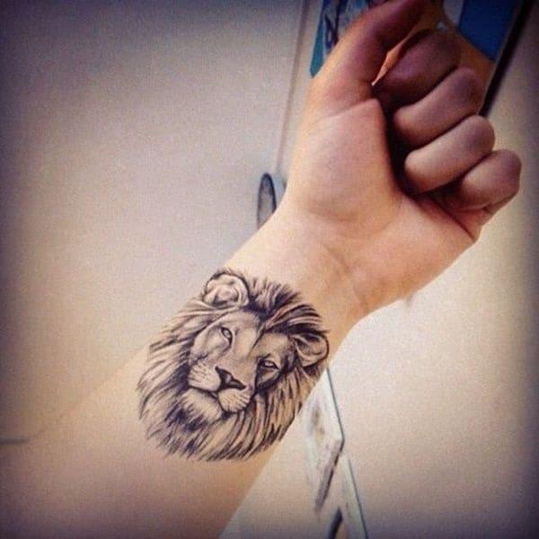 Tatouage lion femme : 30+ idées de tatouages et sa signification 4