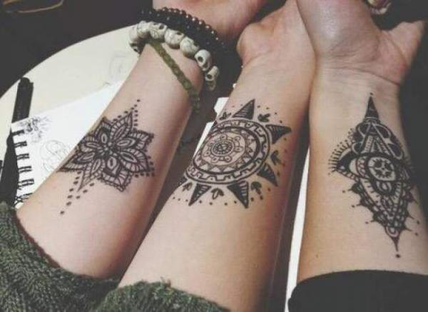 Tatouage oriental femme : 25+ idées de tatouages et sa signification