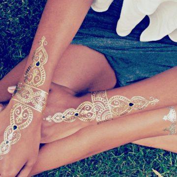 Femme tatouage éphémère