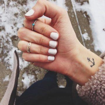 Tatouage main femme : 30+ idées de tatouages et leurs significations 15