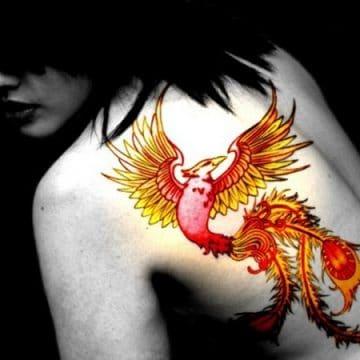 Tatouage phoenix femme : 45+ idées de tatouages et leurs significations 51
