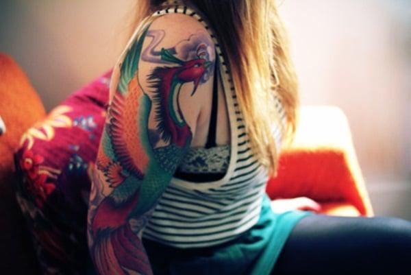 Tatouage phoenix femme : 45+ idées de tatouages et leurs significations 1