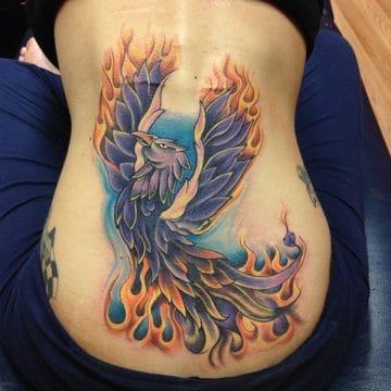 Tatouage phoenix femme : 45+ idées de tatouages et leurs significations 59