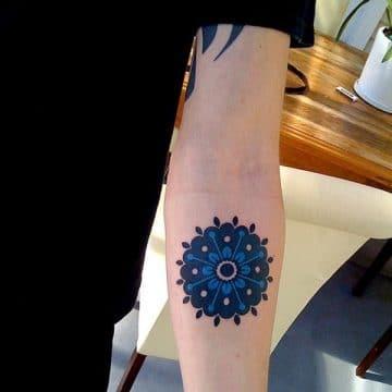 Tatouage mandala femme : 50+ idées de tatouages et leurs significations 170