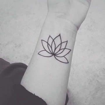 Tatouage mandala femme : 50+ idées de tatouages et leurs significations 169
