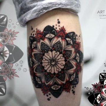 Tatouage mandala femme : 50+ idées de tatouages et leurs significations 146