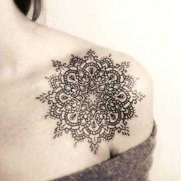 Tatouage mandala femme : 50+ idées de tatouages et leurs significations 133