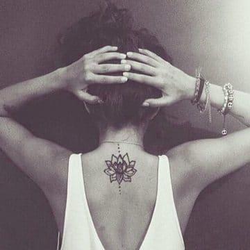 Tatouage mandala femme : 50+ idées de tatouages et leurs significations 132