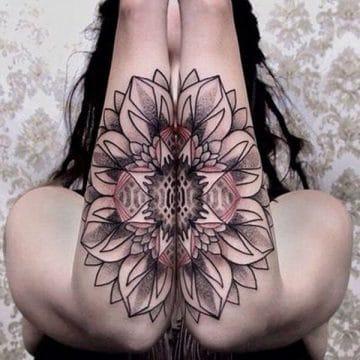 Tatouage mandala femme : 50+ idées de tatouages et leurs significations 129