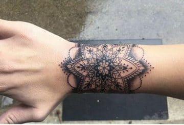 Tatouage Biomécanique femme : 15+ idées de tatouages et sa signification 1