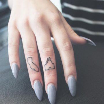 Tatouage doigt femme : 20+ idées de tatouages et sa signification 76