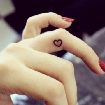Tatouage discret femme : 50+ idées de tatouages et leurs significations 58