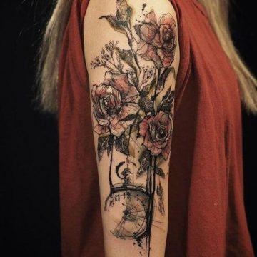 Tatouage manchette femme : 50+ idées de tatouages et leurs significations 52