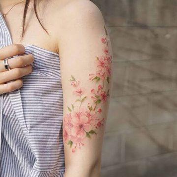 Tatouage manchette femme : 50+ idées de tatouages et leurs significations 69
