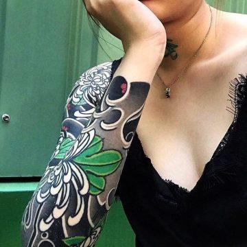 Tatouage manchette femme : 50+ idées de tatouages et leurs significations 71