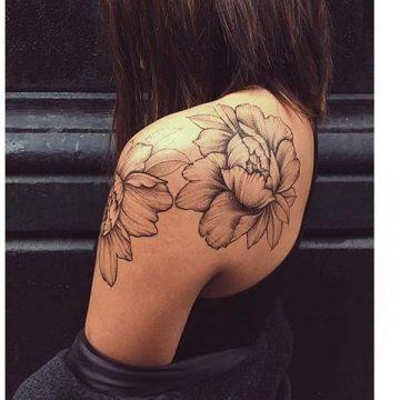 Tatouage rose : 150+ idées de tatouages et leurs significations 219