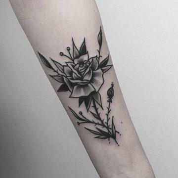 Tatouage rose : 150+ idées de tatouages et leurs significations 212
