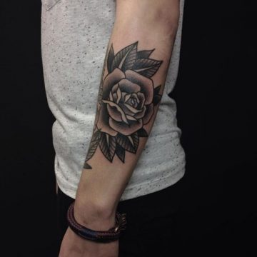 Tatouage rose : 150+ idées de tatouages et leurs significations 207