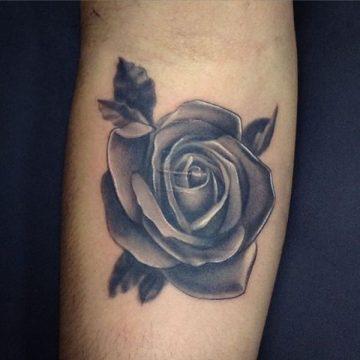 Tatouage rose : 150+ idées de tatouages et leurs significations 131