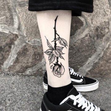 Tatouage rose : 150+ idées de tatouages et leurs significations 157