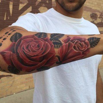 Tatouage rose : 150+ idées de tatouages et leurs significations 173
