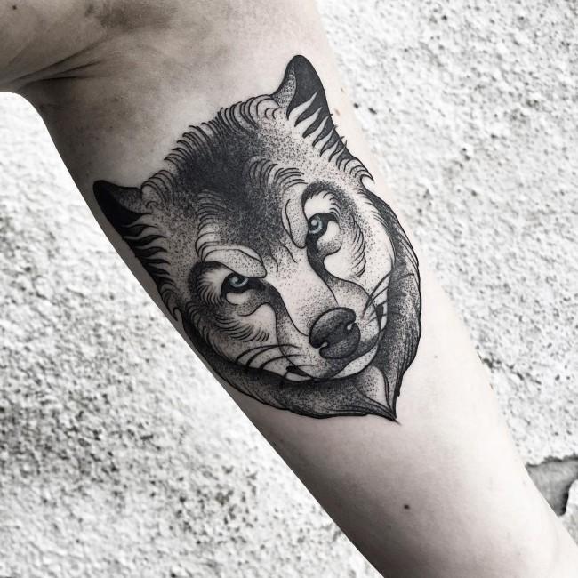 Meilleur tatouage de loup pour hurler sur la lune 50