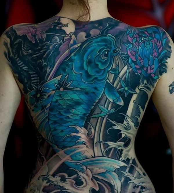 Tatouages au dos provocants avec goût pour les femmes