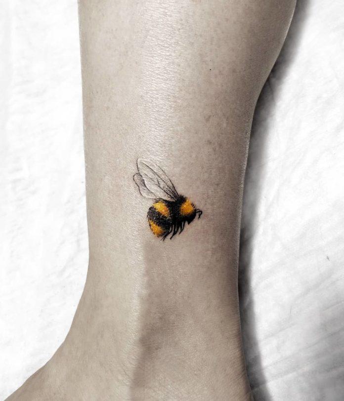 25-50 tatouages à la cheville pour les femmes