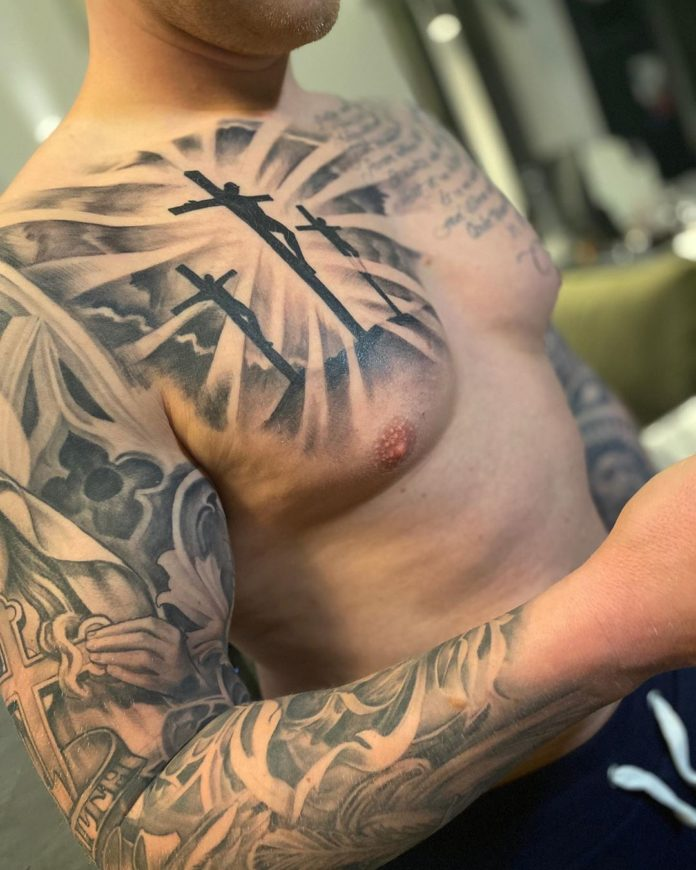 26 3-40 tatouages croisés pour hommes