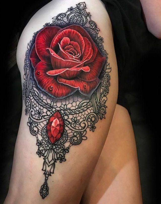 100 tatouages roses pour femmes 2