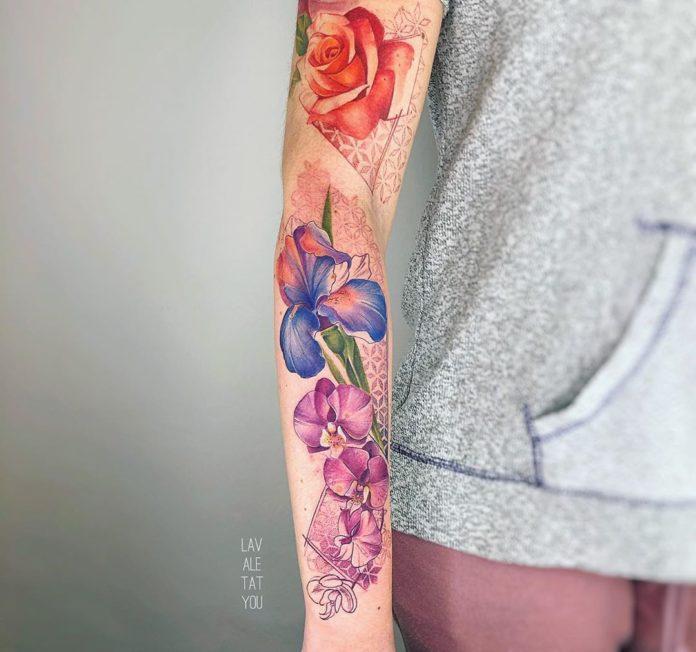 33 1-100 tatouages roses pour femmes