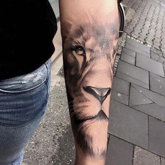 Le meilleur tatouage de lion pour vous et votre roi intérieur de la jungle! Top 151 12