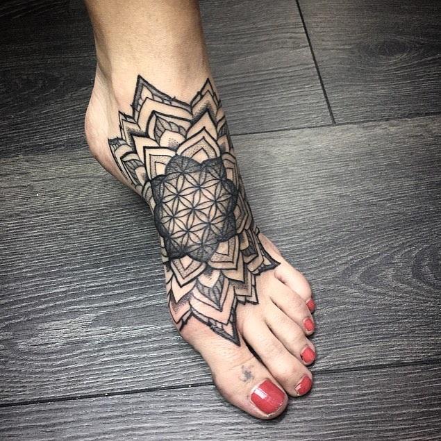4 5 - 40 Tatouages Pied pour Femme