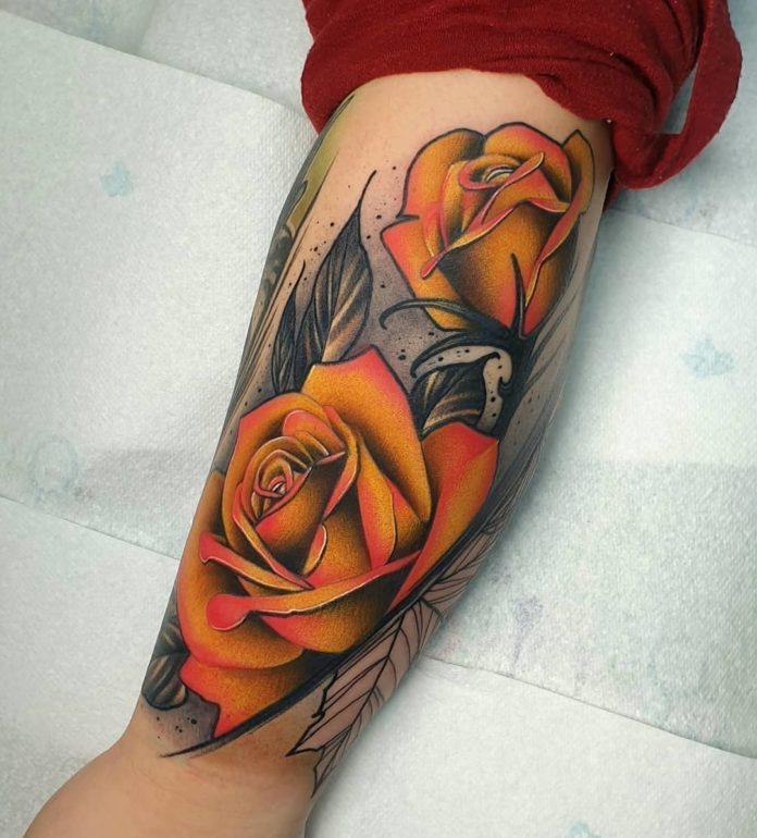 42 tatouages roses 4-100 pour femmes