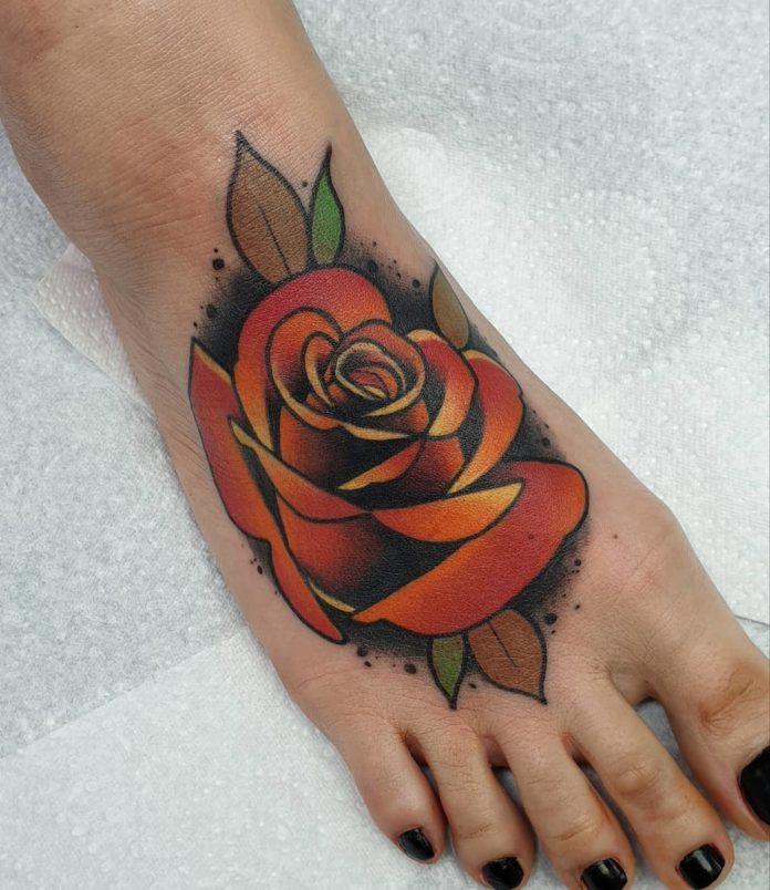 43 4-100 tatouages roses pour femmes