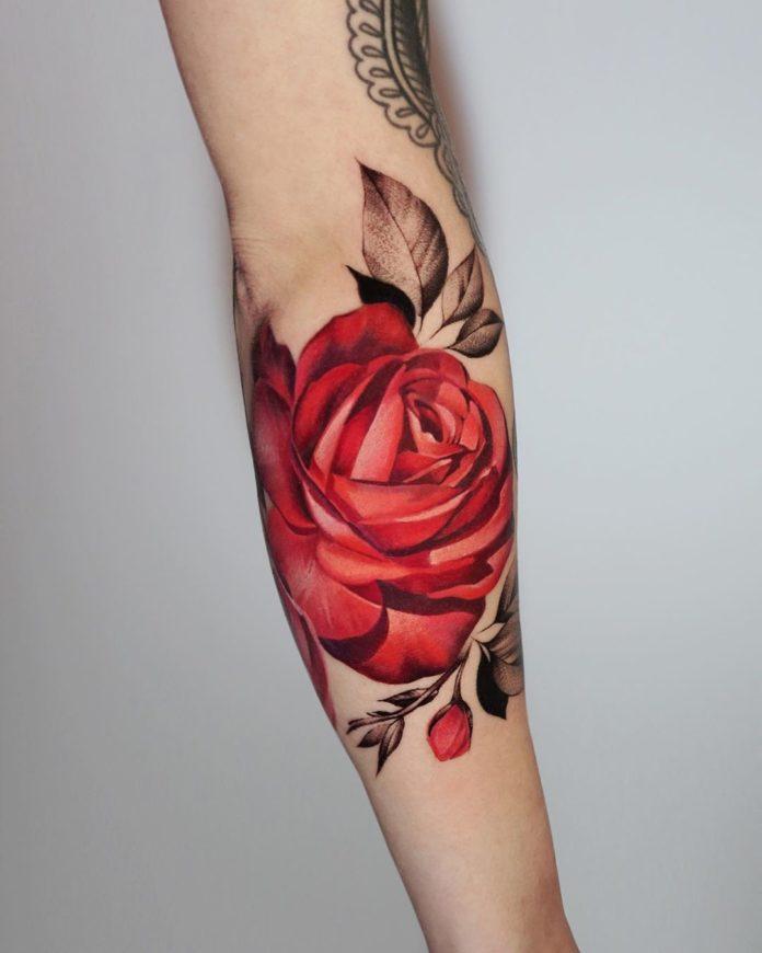 46-100 tatouages roses pour femmes
