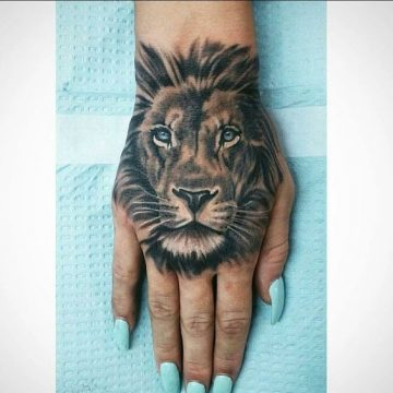 Le meilleur tatouage de lion pour vous et votre roi intérieur de la jungle! Top 151 17
