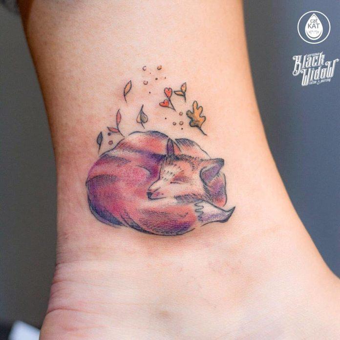 51-50 tatouages à la cheville pour les femmes