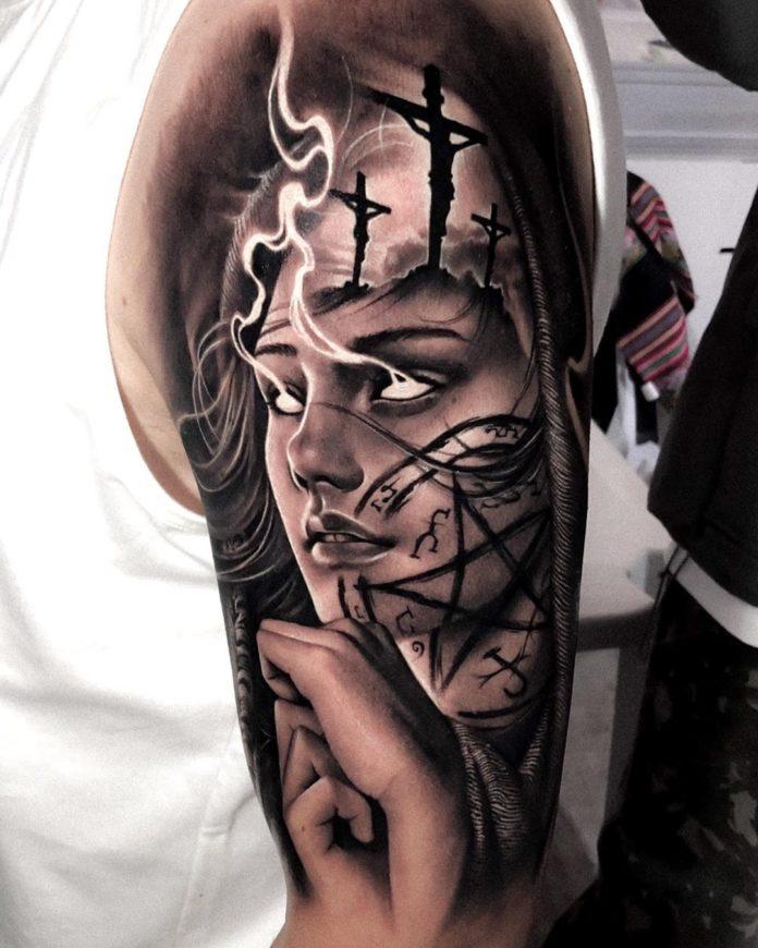8 10 - 40 tatouages croisés pour hommes