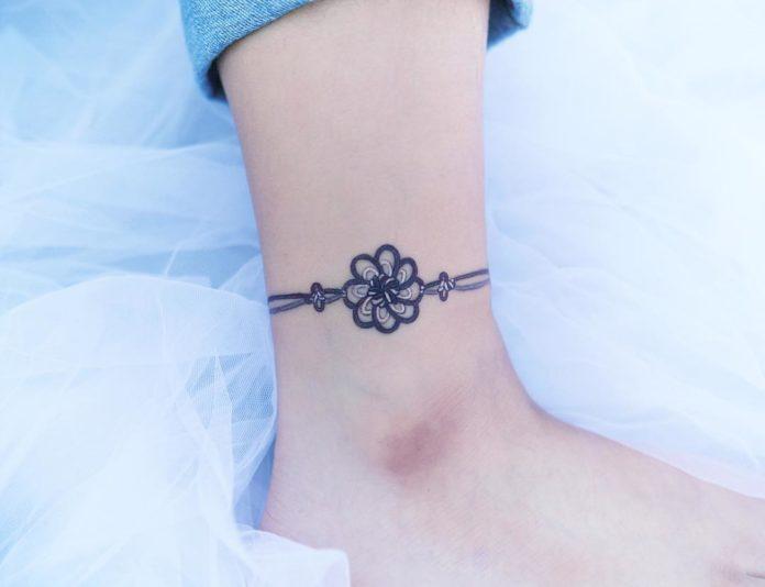8 à 50 tatouages de cheville pour femmes