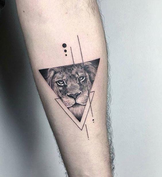 Le meilleur tatouage de lion pour vous et votre roi intérieur de la jungle! Top 151 58