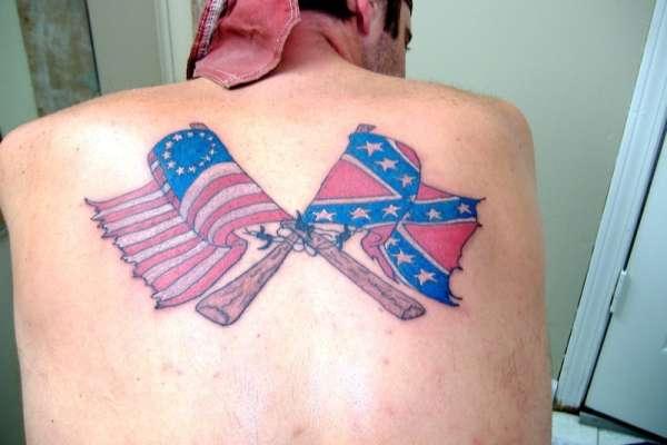 Tatouage de drapeau américain confédéré et original