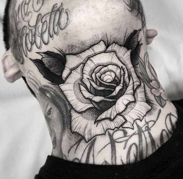 Tatouage Dotwork Rose Cou