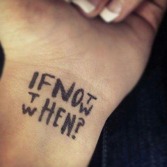 Célèbre tatouage au poignet
