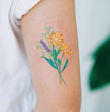 Tatouage de bras de bouquet floral