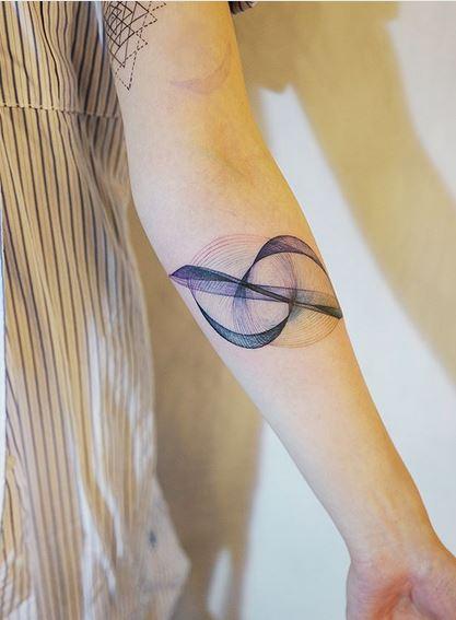 Tatouage Avant-bras Lignes Géométriques