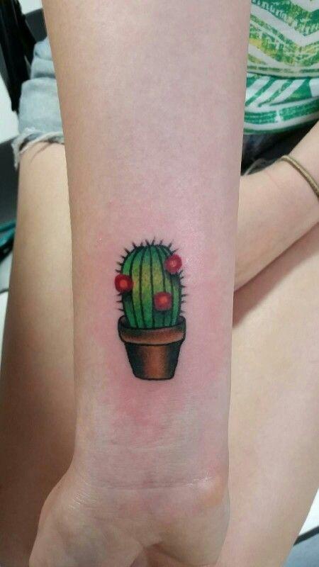 Tatouage Poignet Cactus Vert