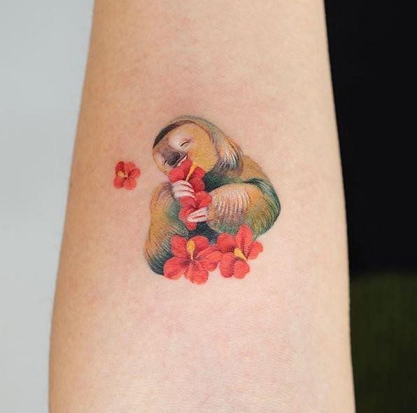 Tatouage Paresseux Bras Heureux
